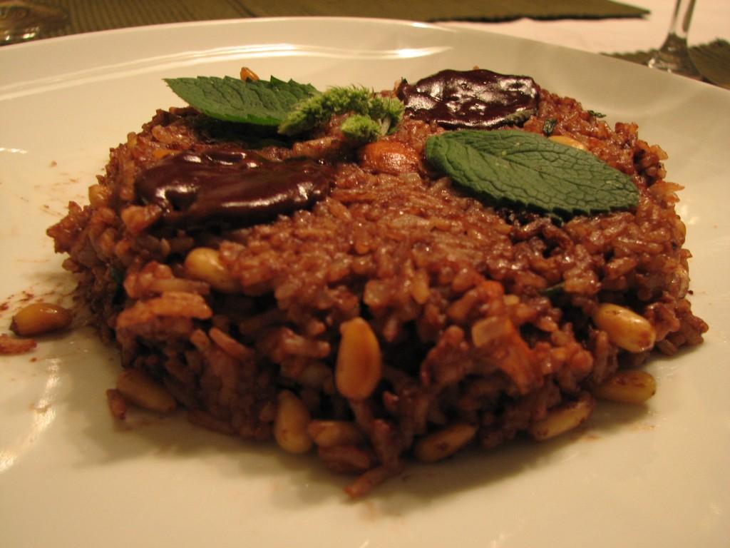 Rižota z lisičkami, pinjolami in čokolado
